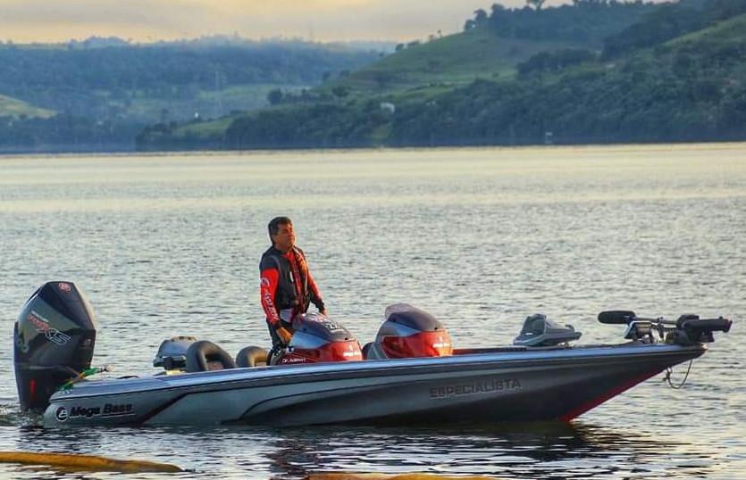 Pescador durante etapa da Copa Iguaçu de Pesca Esportiva