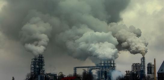 Pela primeira vez em 40 anos emissões de CO2 param de subir
