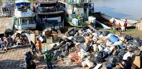 Mutirão recolhe 6 toneladas de lixo no rio Paraguai