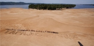Índios lutam contra construção de hidrelétricas no rio Tapajós