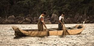 Cultura caiçara do litoral de São Paulo é tema de documentário