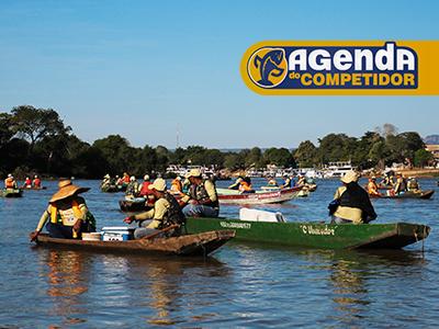 Embarcações em torneio de pesca esportiva