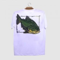 Camiseta branca com o peixe tamabaqui , tamba